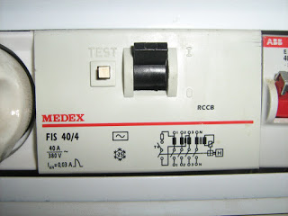 Protective relays current leaking