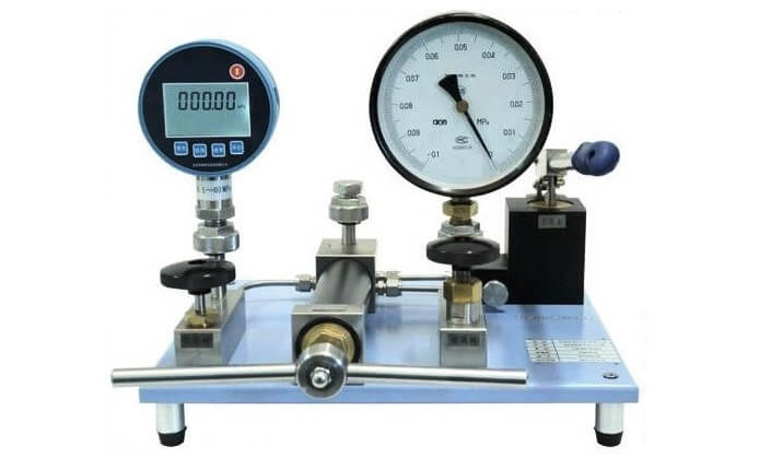 Calibration of Pressure Gauge
