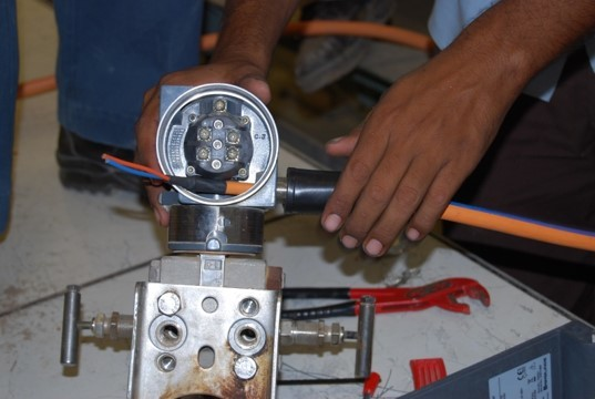 FF cable gland installation
